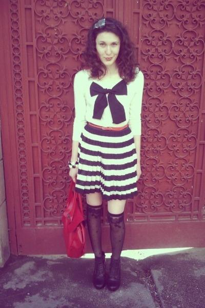 skirt - bag - blouse - heels