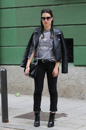 black Zara boots - black leather Zara jacket - gray pull&bear t-shirt