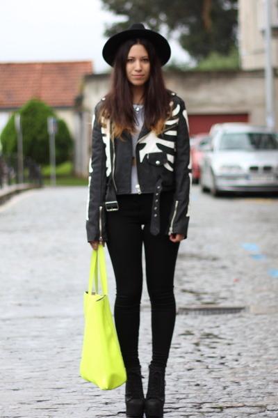 black UNIF jacket - black asos leggings - yellow pull&bear bag