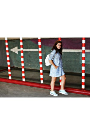 Parfois bag - Zara dress - nike sneakers