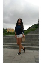 navy pull&bear shoes - white H&M shorts - navy Bershka blouse