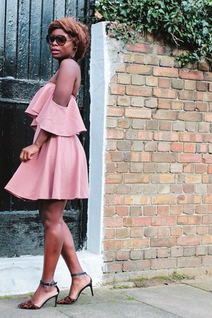 pink skater Sheinside dress