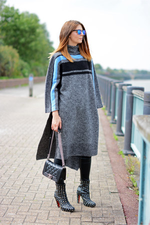 heather gray Tibi sweater