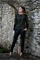 forest green Boohoo sweatshirt - black Forever 21 pants - black Primark heels