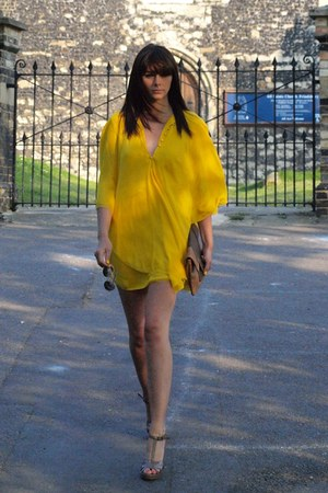 yellow Halston dress - tawny clutch warehouse bag - bronze aviators Ralph Lauren