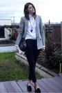Black-zara-jeans-silver-mango-blazer-white-primark-shirt-black-zara-bag