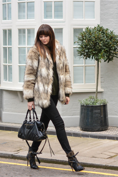 tan faux fur H&M coat