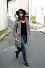 Black-chockers-boots-black-m-s-coat-navy-bershka-jeans