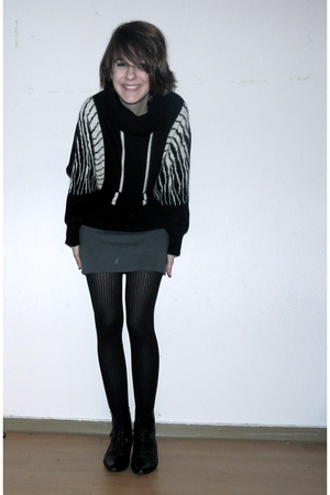 California Select sweater - American Apparel skirt - Oasis tights - Entlarvt sho