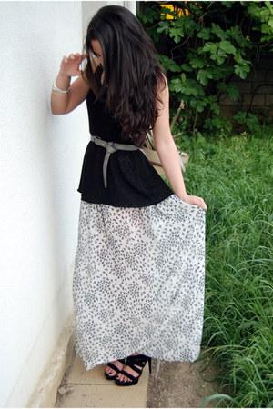 black knitted H&M top - white handmade by me skirt - black suede Bershka sandals