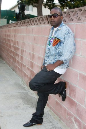 Custom Distressed Levis jacket - designed by me shoes - Pierre Cardin scarf