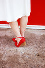 Cream-vintage-dress-red-snakeskin-thrifted-belt-red-modcloth-heels