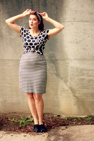 white gingham vintage skirt - white polka dot Target shirt