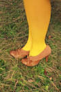 Cream-floral-print-vintage-dress-mustard-target-tights