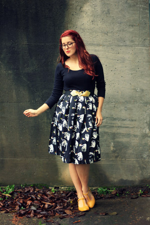 black swan print choiescom skirt - black thrifted shirt