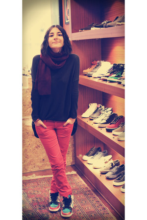 c&a scarf - Zara pants - Atmosphere blouse - nike sneakers