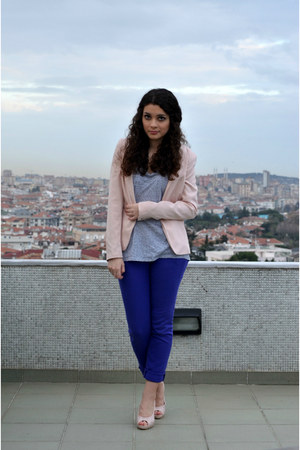 light pink Bershka blazer - silver Gap shirt