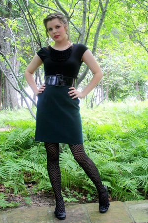 black Francesas Collection top - green thrited skirt - black belt - black asos t
