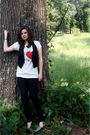 White-urban-outfitters-t-shirt-black-american-eagle-vest-black-ymi-jeans-b