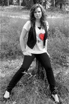 white Urban Outfitters t-shirt - black American Eagle vest - black YMI jeans - b