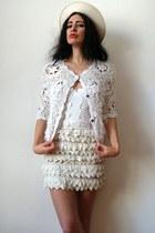 white crochet fur River Island cardigan - eggshell felt feather vintage hat