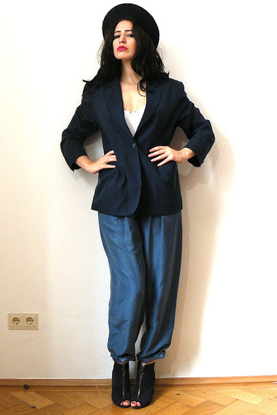 navy blazer silk vintage jacket - dark gray felt vintage hat