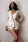 Off-white-felt-vintage-hat-ivory-silk-jacquard-vintage-blazer