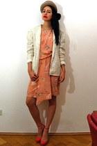 light orange Gucci dress - tan felt bowler vintage hat