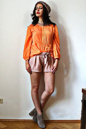orange vintage blouse - tan suede leather asos boots - bronze vintage hat