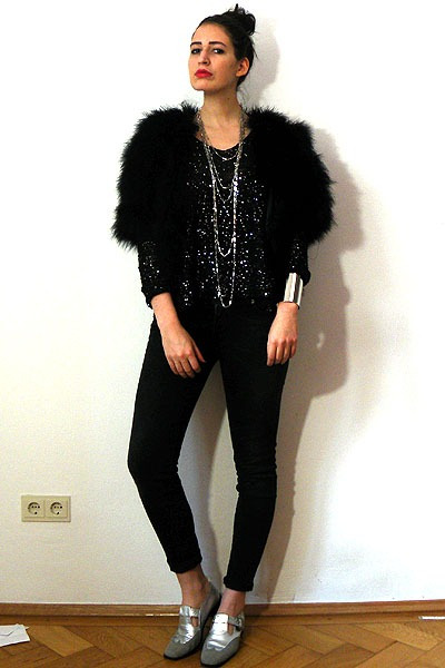 black marabou feather vintage jacket - dark gray drainpipe 7fam jeans