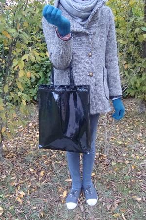 Zara scarf - vintage coat - tresics pants - Bensimon shoes - scout gloves