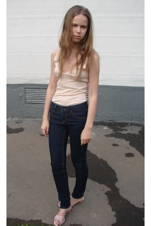 Topshop top - Topshop jeans - Moschino shoes