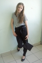 Incity t-shirt - Zara pants - Incity wallet - Chester shoes