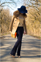navy diva hat - burnt orange JCrew purse - beige Casadei heels