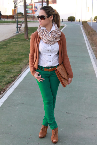 Teal Stradivarius Pants, Brown Bershka Jackets, White Stradivarius ...