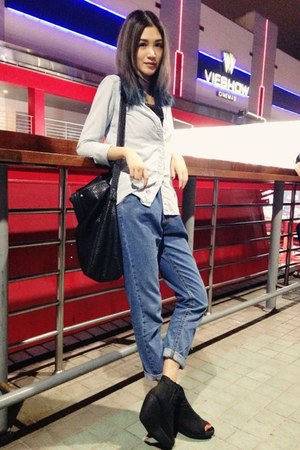 light blue Shana shirt - black vagabond boots - black Zara bag