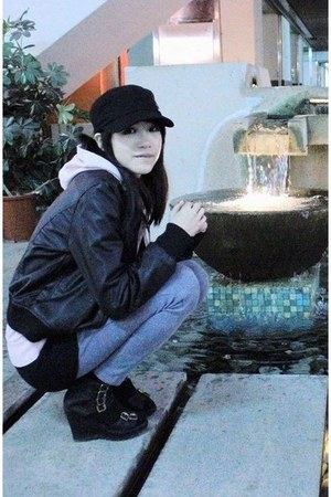 black studded hat - black leather jacket - light purple leggings - black t-shirt