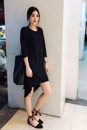 black dress - black sandals