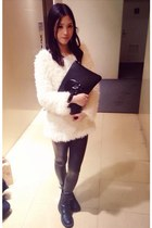 white sweater - black Din Sko boots - black Bershka leggings - black bag