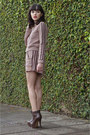 Heels-parô-boots-mondabelle-jacket-mondabelle-shorts