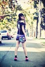 Black-color-block-purse-hot-pink-creepers-shoes