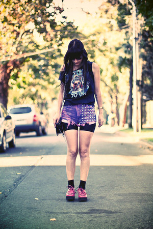 bubble gum pink studded Caleidoscope Eyes shorts - hot pink creepers shoes