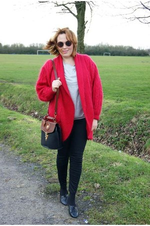 dark brown vintage bag bag - black leggins leggings - ruby red cardigan