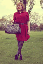 heather gray bag - maroon dress