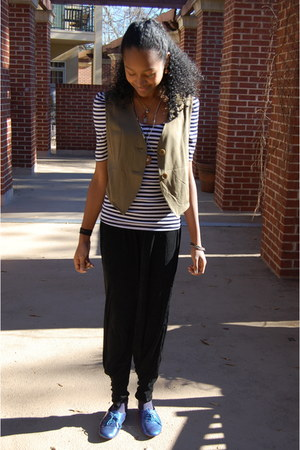 blue Urban Outfitters shirt - olive green thrifted vest - black thrifted pants -