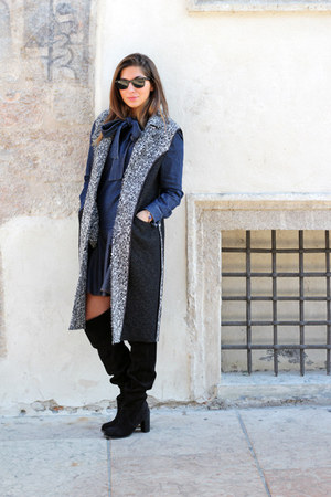 dark gray Alysi coat - navy Blugirl Folies shirt