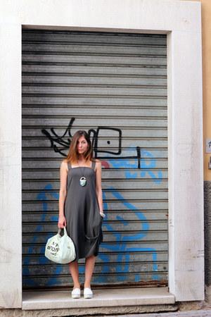 charcoal gray Malloni dress - off white 5 Preview bag - cream Mieko accessories