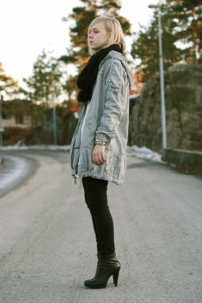 black heels Jessica Simpson shoes - gray parka Vero Moda jacket