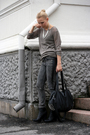 Sweater-necklace-pants-boots-purse