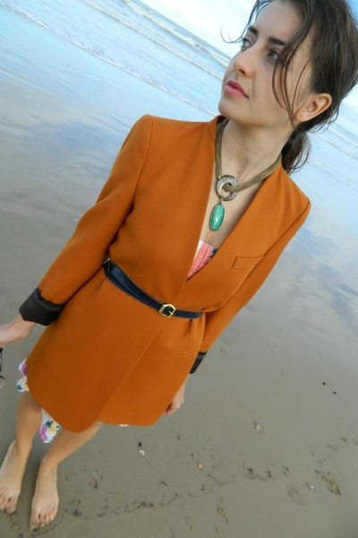 Zara jacket - Bershka dress - Prima Donna heels
